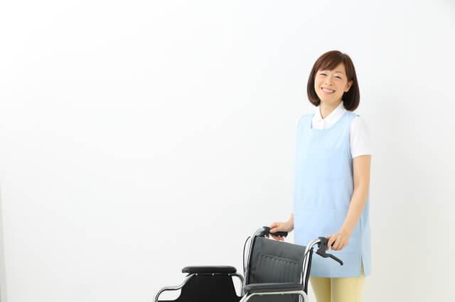 主婦から介護職を始めた女性