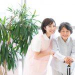 職場でいきいきと働く女性介護職員